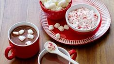 Chocolate Marshmallows, Chocolate Icing, Hot Chocolate Recipes, Bubble Bar Recipe, Food Network Canada, Christmas Treats, Diy Christmas, Holiday, Peppermint Candy