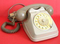 """Telefono a disco combinatore Siemens S62, meglio conosciuto come """"Bigrigio"""" - anni '70. #modernariato #vintage"""