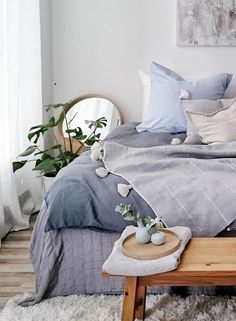 A dream of bedroom in blue and nature. Combines different shades of blue … - Bedroom Ideas Best Bedding Sets, Bedroom Dressers, Blue Bedroom, Shades Of Blue, Bed Sheets, Interior Inspiration, Duvet Covers, Pillow Cases, Sweet Home
