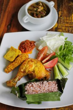 Nasi Timbel, a classical Sundanese Rice Platter. What most thrilling is the rice it self. It wrapped by banana leaves when still very hot, thus the rice more flavorful