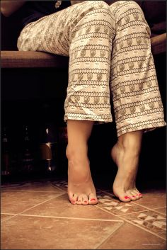 https://flic.kr/p/ePosbg | sweet home legs | young girl feet