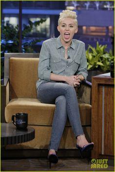 L'outfit sfoggiato di recente della cantante e attrice americana, infatti, dimostra che il total denim fa sempre colpo.http://www.sfilate.it/218656/il-look-denim-funziona-sempre-anche-per-miley-cyrus