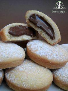 Biscotti con crema di nocciole