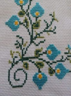 This Pin was discovered by Nur Cross Stitch Gallery, 123 Cross Stitch, Cross Stitch Boards, Cross Stitch Flowers, Cross Stitch Designs, Cross Stitch Patterns, Cross Stitching, Cross Stitch Embroidery, Hand Embroidery Design Patterns