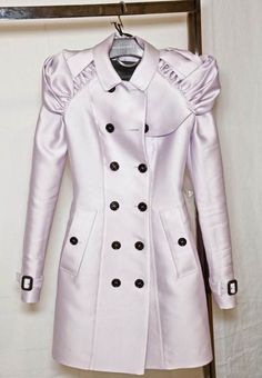 Love LOVE this Burberry coat.