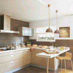 Cozinha em tons de castanho e branco