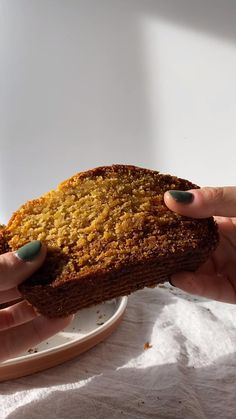 Butternut squash bread?!?! You heard me right. This butternut squash bread recipe can be make from fresh butternut squash or frozen. It's a great quick bread for breakfast, a snack, or even dessert! #butternutsquash #butternutsquashbread #bread #quickbread #breakfastrecipes #healthybread #healthyloaf Unique Recipes, Quick Recipes, Amazing Recipes, Clean Recipes, Real Food Recipes, Keto Recipes, Quick Easy Healthy Meals, Easy Meals, Butternut Squash Bread