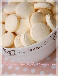 Foto de Lilian Nakashima 01 xícara de nata 01 xícara de açúcar 01 c. de chá de fermento em pó 01 pitada de sal 2,5 xícaras de farinha de tr...