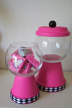 Gift or Candy Table Wedding decor Faux Gumball Machine (Custom Orders Welcomed)… Clay Pot Projects, Clay Pot Crafts, Diy Clay, Jar Crafts, Crafts For Kids, Candy Jars, Candy Dishes, Candy Buffet, Wedding Candy Table