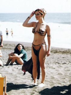 """Post with 5908 votes and 1165874 views. 10 photos of Carrie Fisher promoting """"Return of the Jedi"""" at a Rolling Stone Magazine beach shoot, 1983 Star Wars Mädchen, Star Wars Cast, Leia Star Wars, Star Wars Girls, Carrie Fisher, Images Star Wars, Star Wars Pictures, Princess Leia Bikini, Princess Leia Slave Costume"""