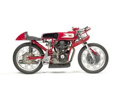 Until the recent arrival of the Moto 3 class in Grand Prix racing, the 250cc Moto Morini was the fastest single-cylinder four-stroke of its capacity ever made.