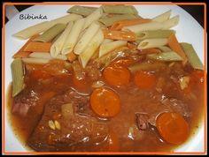 Z masa si nařežeme plátky, které naklepeme, osolíme, opepříme a zprudka opečeme z obou stran na oleji a vložíme do PH, na tuku ještě osmažíme... Pot Roast, Thai Red Curry, Crockpot, Chili, Menu, Soup, Ethnic Recipes, Ph, Cooking