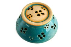 Turquoise Glazed Pottery Berry Bowl / by EverydayInBetween on Etsy Glazes For Pottery, Pottery Bowls, Ceramic Pottery, Glazed Pottery, Pottery Ideas, Colanders And Strainers, Clay Texture, Play Clay, The Potter's Wheel