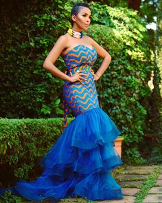 Collection of the most beautiful and latest ankara aso ebi styles and designs of 2018 you must try if you love something aso ebi African Fashion Designers, African Inspired Fashion, African Print Fashion, African Prints, African Lace Dresses, African Fashion Dresses, African Outfits, African Clothes, 50s Dresses