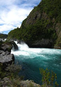 Saltos del Petrohue - Chile Nuestras pasadas vacaciones recorriendo el fantastico Sur de nuestro bello pais...Lindos momentos en Chiloe y Puerto Montt con nuestros familiares!