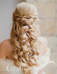 Madrinhas de casamento: Penteados de festa para noivas e madrinhas