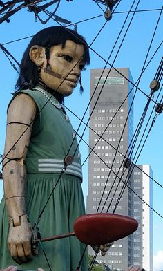 Reuzen van Royal de Luxe: 2018 in Leeuwarden! Marionette Puppet, Puppets, Giant People, Puppet Theatre, Royal Court, Happy Art, Classical Art, Perth, Love Art