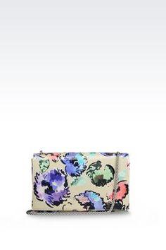 Armani Handtaschen Für sie vom runway: umhängetasche aus lackleder Erhätlich bei armani.com - wenn Sie über www.bestcash4you.de auf die Seite gehen, erhalten Sie zusätzlich 7,2 % Cashback. Wie Sie auch bei weiteren 1600 Shops und Anbietern Cashback erhalten erfahren Sie unter www.bestcash4you.de