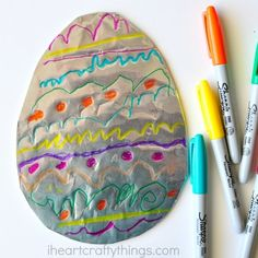 Tin Foil Easter Egg Art - I Heart Crafty Things Summer Crafts For Kids, Easter Art, Easter Crafts For Kids, Easter Ideas, Easter Bunny, Fish Crafts, Bunny Crafts, Paper Butterfly Crafts, Caterpillar Craft