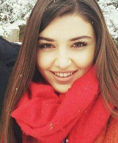 Hayat And Murat, Hande Ercel, Heart Eyes, Viera, Celebs, Actresses, Pretty, Model, Beauty