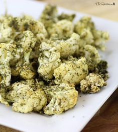The Rawtarian: Raw dill popcorn recipe Salty Snacks, Popcorn Recipes, Dehydrator Recipes, Cauliflower, Chips, Vegetables, Food, Savory Snacks, Potato Chip