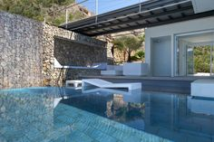 Recovery of a residence on the sea by MUHER 06