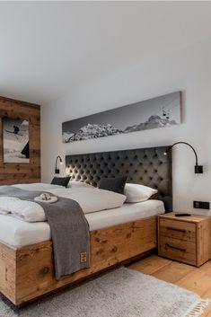 The Chalet In Oberlech in Lech, Austria Ski Chalet Decor, Chalet Interior, Wood Interior Design, Chalet Design, Interior Modern, Alpine Chalet, Ski Decor, Chalet Style, Chalet Modern