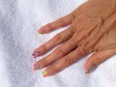 Neon nails with leopard accent nails