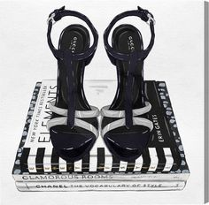Oliver Gal Fashion Shoes and Glam Books (Canvas)
