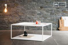 De Nölbis salontafel is ideaal voor een kopje koffie of thee. Past perfect in een Scandinavisch interieur door de witte kleur en strakke lijnen.