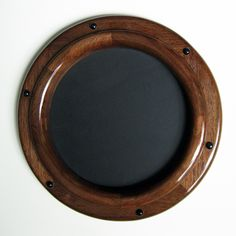 Swinging door porthole