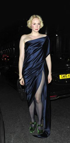 Gwendoline Christie - Brienne of Tarth In real life she's one hot woman! Gwendolyn Christie, Game Of Throne Actors, Brienne Of Tarth, Woman Crush, Style Icons, Formal Dresses, Celebrities, Lady, Model