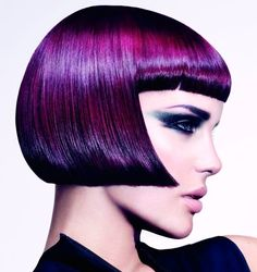 Purple Hair by Emiliano Vitale at é Salon, Wahroonga, Australia Colour: Lisa Muscat and Emiliano Vitale -Make-up: Clare Read Styling: Sonny Groo Photographs: Paul Scala - Peluqueria-creativa - linda melena geométrica! Prom Hairstyles For Short Hair, Party Hairstyles, Bob Hairstyles, Hairstyle Pics, Homecoming Hairstyles, Short Haircuts, Violett Hair, Hair Expo, Bright Hair Colors