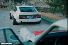 Porsche 911 277 carro by Magnus Walker and Sung Kang Datsun 240 Z custom