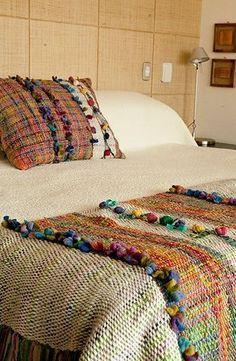 Discover thousands of images about :: Bienvenidos :: Telaresisa.cl :: very Saori like handwoven textiles - beautiful items Weaving Textiles, Weaving Patterns, Tapestry Weaving, Loom Weaving, Hand Weaving, Weaving Projects, Weaving Techniques, Cheap Home Decor, Textile Art