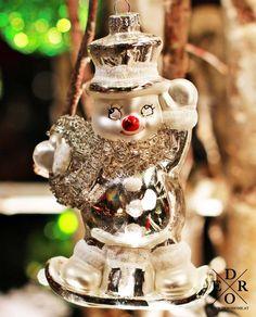 "Dekorativer und glitzernder Christbaumschmuck – Schneemann ""Frosty"" Christen, Snow Globes, Christmas Ornaments, Holiday Decor, Home Decor, Snowman, Christmas Tree Decorations, Decorating, Xmas"