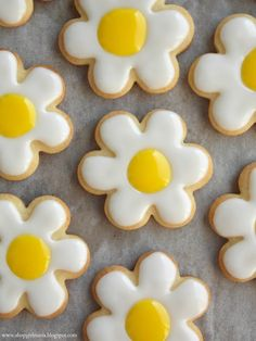 Daisy Sugar Cookies | A Homemade Living