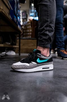 Gestern hat Sneaxs seinen dritten Sneaker Store eröffnet. Der Store befindet sich im CITTI Park in Kiel und hat zur Eröffnungsfeier sehr viele Gäste...