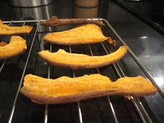 Need to try these.......Sophie in the Kitchen: Sweet Potato Dog Chews