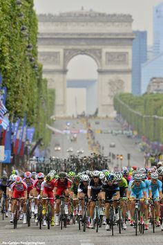 Tour '14 St.21: It wasn't only the Tour de France that hit Paris on Sunday. Catch up with Ed'd last day on the Tour here. Pic:CorVos/PezCyclingNews.