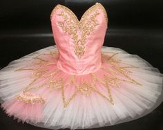 This would be a beautiful design in cream with gold accent for Paquita variation.  Pas de Six - Sleeping Beauty