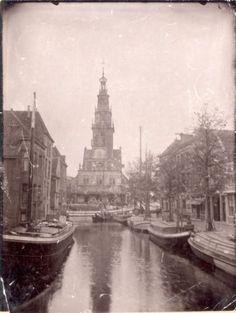 maker onbekend | Zicht op de Waag in Alkmaar, circa 1900.