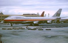 Braniff International Boeing 747-123 N9666 on the apron at Honolulu-International, circa 1980. (Photo: Manfred Winter, Copyright: Braniff Flying Colors Collection)