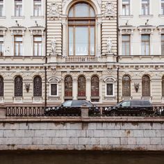 https://www.instagram.com/p/BX2ZiGxDxH5/?taken-by=ekaterina.valueva #city #spb #look #street #instagram