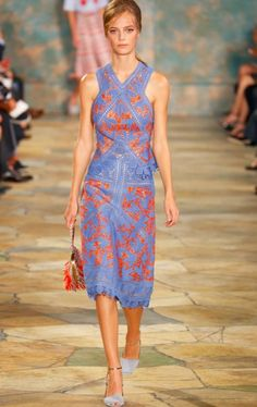 Tory Burch Spring 2016 collection #tbt Tory Burch called it: Coral is hot this season!