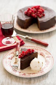 Mud cake americana, torta al cioccolato, ricetta dolce, dessert al cioccolato