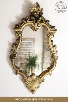 Learn more about this gorgeous antique gold mirror. It can be display on the wall of your bathroom or living room for a beautiful French country decor! #vintagemirror #brocantemajolie #antiques #antiquemirror #goldmirror Classic Home Decor, Unique Home Decor, Cheap Home Decor, French Country Bedrooms, French Country Style, Country Bathrooms, French Decor, French Country Decorating, Antique Gold Mirror