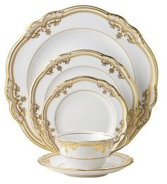Stafford Place Setting 5pc, White/Gold - casa.com