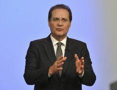 """Canadauence TV: Renan Calheiros, presidente do Senado prevê """"meses..."""