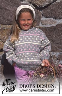 "DROPS Jumper in ""Alaska"" with button fastening on shoulder Free pattern by DROPS Design. Knitting Patterns Free, Free Knitting, Baby Knitting, Free Pattern, Crochet Patterns, Drops Design, Kate Spade Designer, Magazine Drops, Alaska"